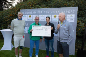 Der Erlös des Abends kann sich sehen lassen: 45.000 Euro für die Sportförderung im Rhein-Kreis.